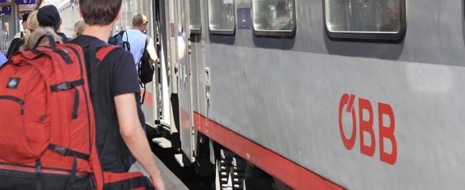Bologna, marito e moglie schiacciati da un treno. Ipotesi doppio suicidio