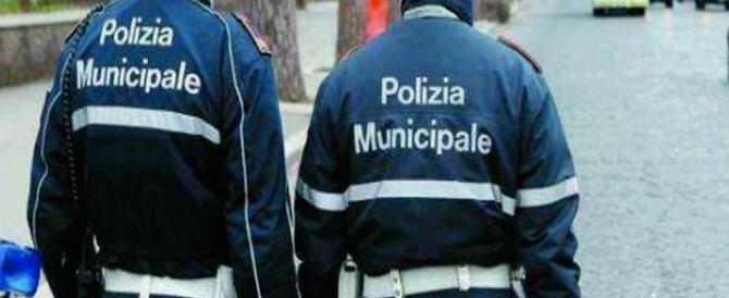 """Milano, si dimette il capo dei """"ghisa"""" intercettato al telefono con un mafioso"""