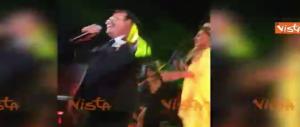 """Al Bano e Romina cantano """"Felicità"""" alle nozze della figlia Cristel (video)"""