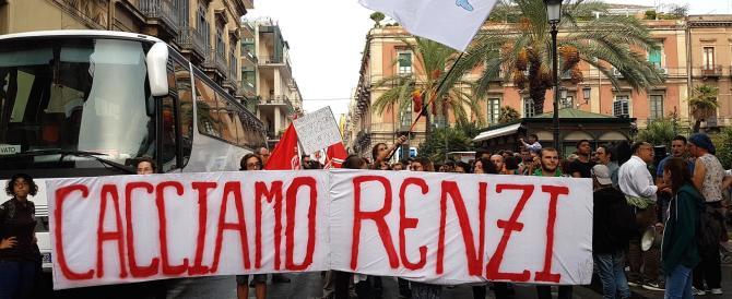 """""""Cacciamo Renzi"""": dura contestazione a Catania, ecco il video"""