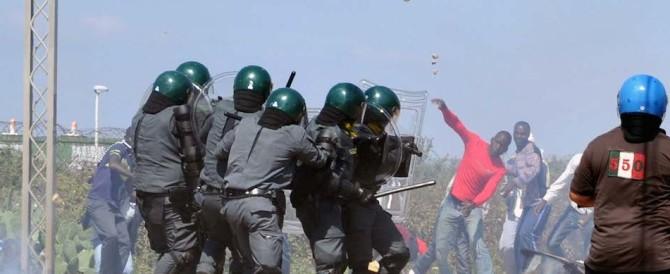 Nuova rissa tra migranti al Cara di Bari: ferito un finanziere