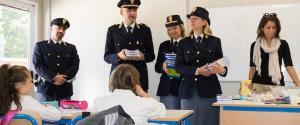 Il diario della Polizia arriva tra i banchi nella zona simbolo del sisma. È «Il Mio Diario», l'agenda della legalità