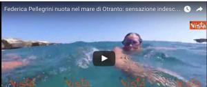 Federica Pellegrini nuota nel mare di Otranto. Ecco il video subacqueo
