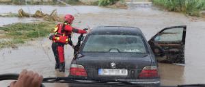Alluvioni al sud, morto un uomo rimasto bloccato in auto vicino Foggia