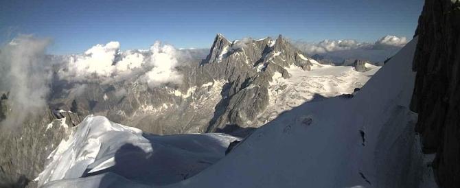 Paura sul Monte Bianco: cento persone bloccate in una funivia