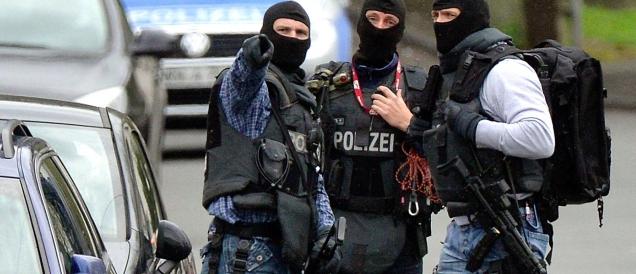 Tre profughi siriani richiedenti asilo arrestati in  Germania: inviati dell'Isis