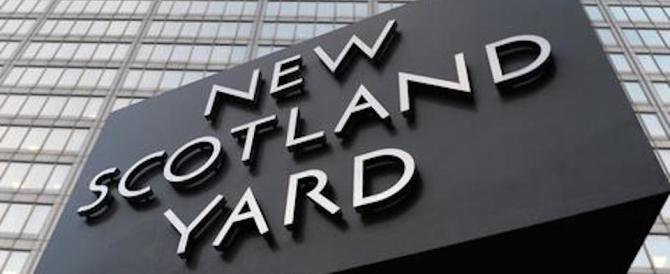 Lascia il capo di Scotland Yard: «È stato bello arrestare i cattivi»