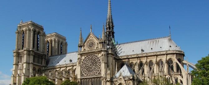 Parigi, autobomba a Notre Dame: fermate altre due persone