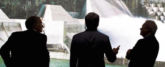 «Faremo il Ponte sullo Stretto»: ecco che Renzi scimmiotta pure il Cavaliere