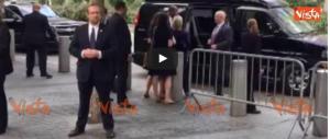La Clinton ammette: «Sto male». Trump: «La mia salute è ok» (video)