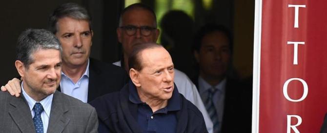 """Berlusconi scende in campo per il """"No"""": «Si rischia la dittatura grillina»"""