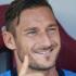 """Totti: «Ilary ha """"interiorizzato"""" le mie difficoltà». Ed è caccia al suggeritore"""