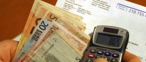 Salasso tariffe: gas e luce ci costano 100 euro in più. Tasse a livelli record