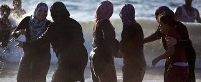 Burkini in spiaggia, cacciata dai bagnanti una giovane australiana