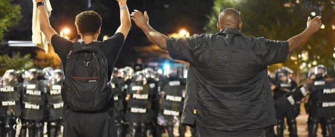 Charlotte: nuovi scontri, si sfiora la tragedia. È stato d'emergenza