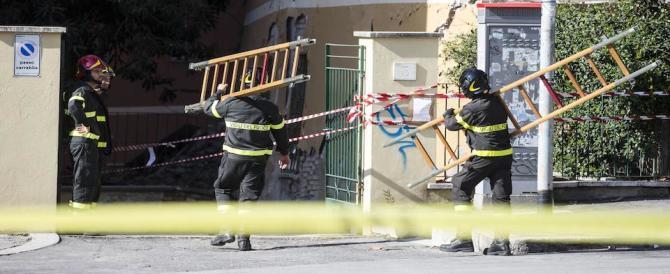 Roma, crollo palazzina: sigilli allo stabile e 120 persone senza casa