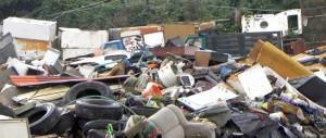 Gestivano discarica abusiva da dieci tonnellate al mese: fermati tre nomadi