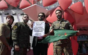 Venezia: 'Erdogan terrorista', sul red carpet protesta curda