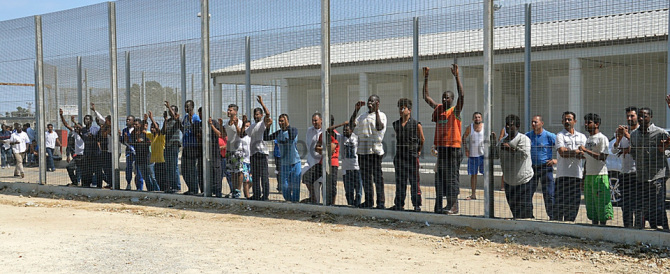 Emergenza illegalità nei ghetti dell'immigrazione, denunciare non basta