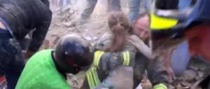 """Sisma, dimessa la piccola Giorgia: fu """"salvata"""" dalla sorella poi morta"""