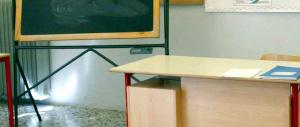 La maestra è troppo «rigida» con gli alunni: i genitori chiamano i carabinieri