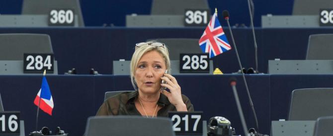 """Vola Marine Le Pen: Francia, sarà ballottaggio """"destra contro destra"""""""