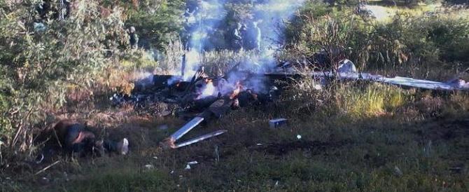 Messico, terra senza legge: abbattuto dai narcos un elicottero della polizia