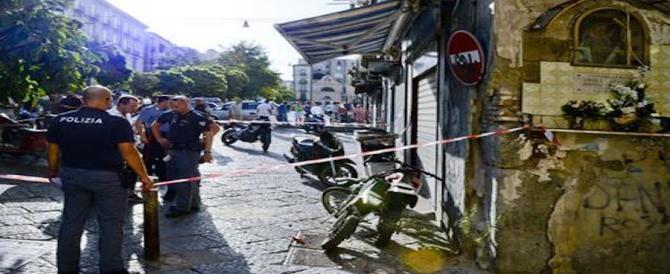 Agguato a Napoli: donna ferita, ha fatto scudo al figlio pregiudicato