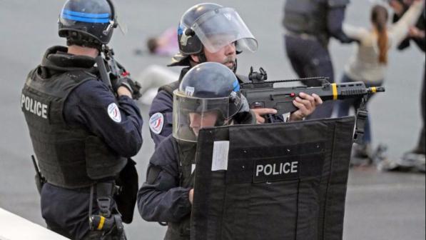 """""""Presi ostaggi al centro di Parigi"""". Per fortuna è solo un falso allarme"""