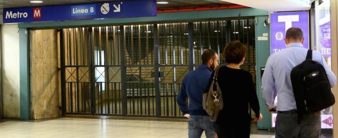 15enne travolto dalla metro: forse è scivolato sulla banchina bagnata