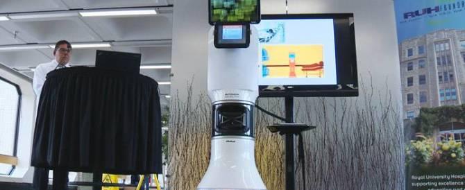 Israele, Peres resta grave: è assistito da un avveniristico robot-infermiere