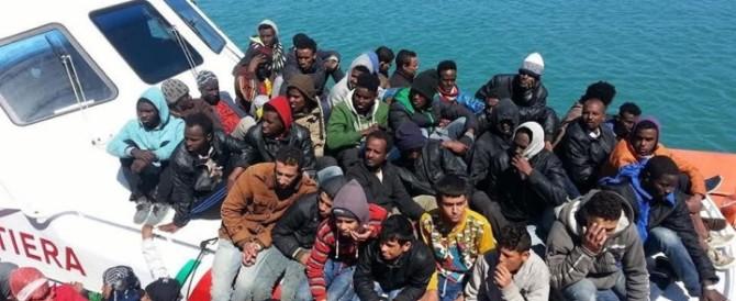 """Il sindaco Pd di Crotone contro Renzi: """"Troppi migranti, non so dove metterli"""""""