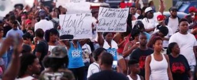 Usa, afroamericani protestano a Charlotte: 12 agenti feriti negli scontri