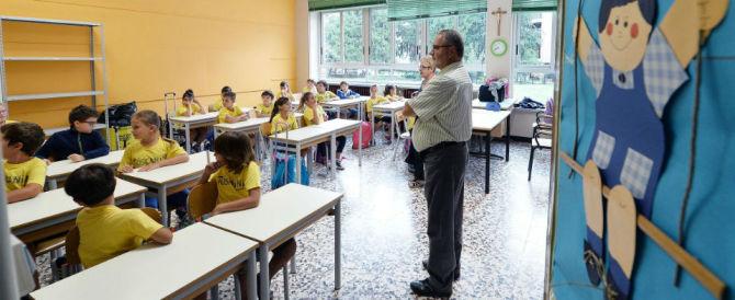 Scuola, alunna porta il pasto da casa: costretta a mangiare da sola