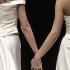 Unioni gay, due ex suore convolano a nozze. Le sposa un prete scomunicato