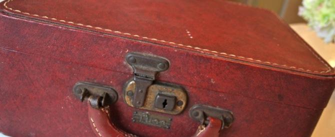 Anche per la Polizia è un mistero da film la valigia arrivata dal 1960