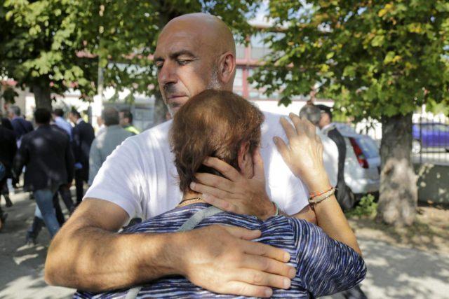 Il sindaco di Amatrice, Pirozzi: da oggi via le tende, la mia gente esempio di dignità