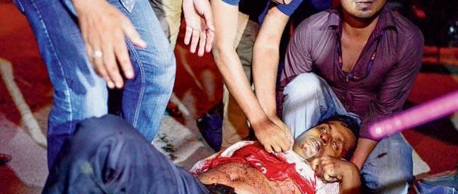 Dacca, un pediatra e un ex-militare finanziarono l'attacco al ristorante