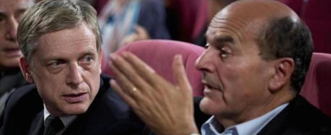 Pd, volano gli stracci. Cuperlo avverte: «È scissione, sta a Renzi scongiurarla»