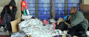 Degrado Capitale, rissa tra immigrati senza tetto: tunisino perde un occhio