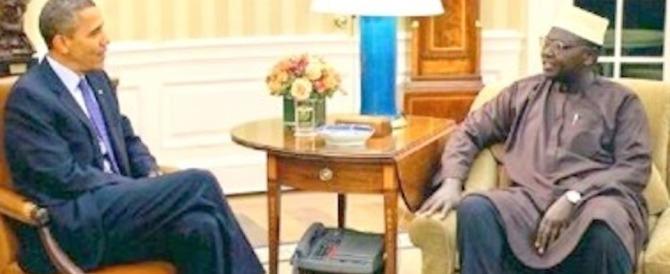 """Schiaffo a Obama, il """"fratellastro"""" Malik si schiera con Trump al duello tv"""