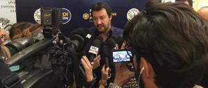 "Salvini posta un video di una delinquente rom e annuncia: ""Pronta una democratica ruspa"" (video)"