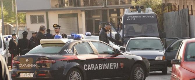 Napoli, muratore 33enne spara alla moglie e la uccide. Poi chiama il 118