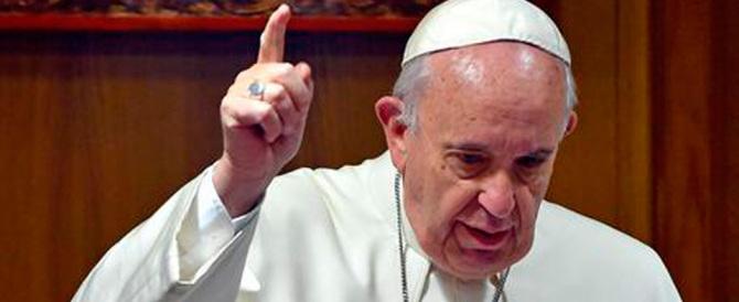 Il Papa contro le oligarchie: «Le scelte del potere ignorano il popolo»