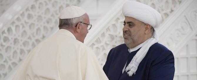 """Azerbaigian, il Papa in moschea: """"Mai più violenza in nome di Dio"""""""