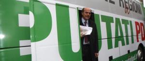 Bersani: «Solo se schierano l'esercito riescono a mandarmi via dal Pd»