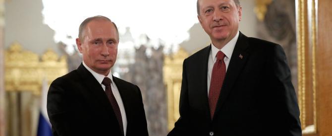 Russia e Turchia, è disgelo: Erdogan e Putin firmano l'accordo sul gasdotto