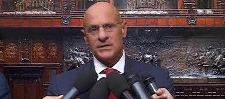 Ostia, FdI chiede il voto. Rampelli: «Democrazia sospesa da troppo»