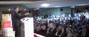 """Renzi ormai non fa più il premier: lo paghiamo per fare il testimonial del """"Sì"""""""