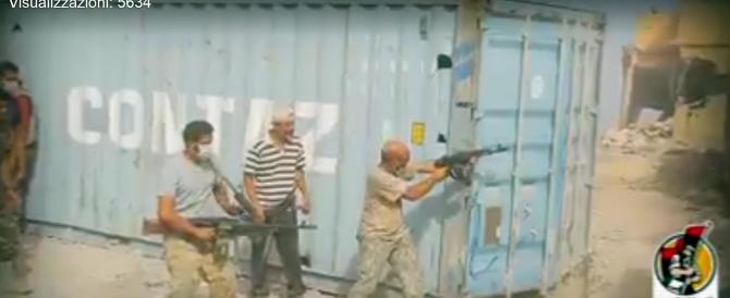 Tra le macerie di Sirte liberata dall'Isis: il video dei miliziani libici